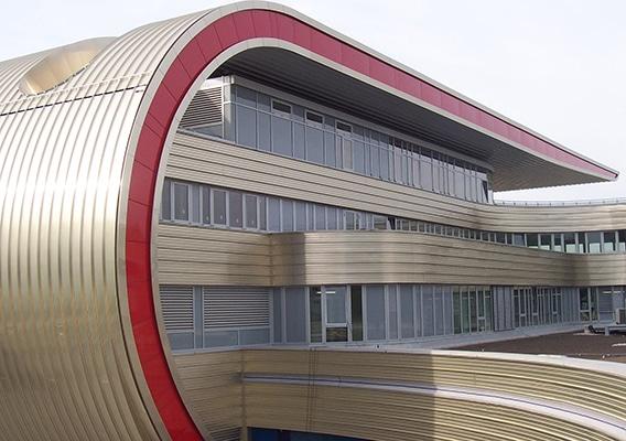 Anschlussprofile Dachrand und Fassade